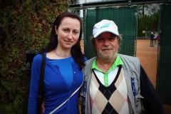 Na akcích se potkáváme i se známými osobnostmi. Herec Roman Skamene se na tenisovém turnaji vyfotil s naší kolegyní Helenou.