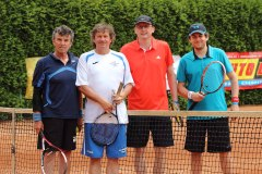 Obchodní ředitel Karel Hrudka a marketingový specialista David Pozník mají cenný skalp. Na tenisovém turnaji v Hradci Králové porazili v roce 2016 tým zpěváka Standy Hložka.