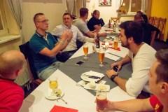Společná večeře v rámci dvoudenní firemní porady.