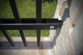 speciální úchyt plotového dílce