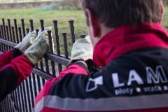 Montáž kovaného plotu u zákazníka