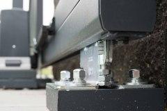 Samonosná vjezdová brána LAMARK (detail pojezdových vozíků)
