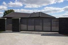 Vjezdová brána LAMARK, samonosná posuvná konstrukce, tahokov plot